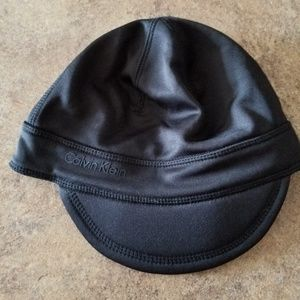 Calvin Klein black workout hat w/ ponytail holder